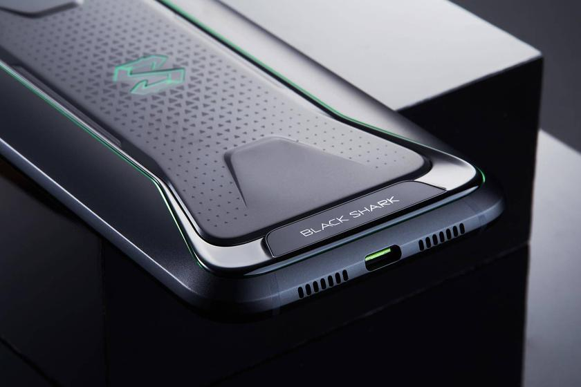 xiaomi-blackshark-released-gaming-photos-6.jpg