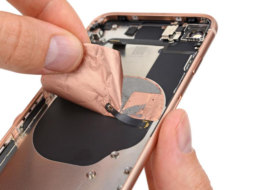 iphone-ifixit-teardown-7.jpg