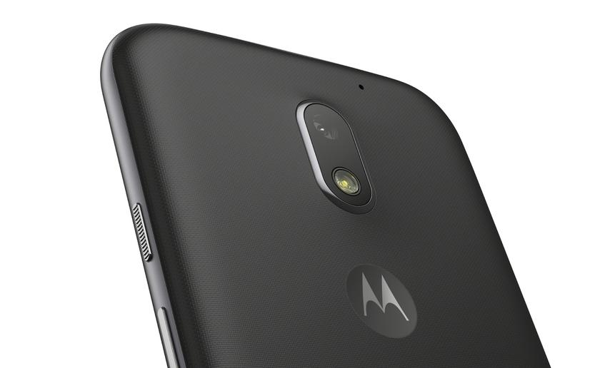 Press releases of the new smartphone Moto E5 Play published