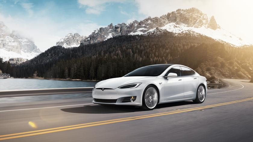 Tesla Model S стала первым в мире электрокаром с дальностью хода более 643 км поу EPA