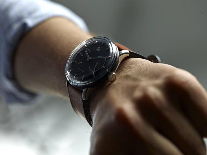 sequent-infinity-battery-life-smartwatch-3.jpg