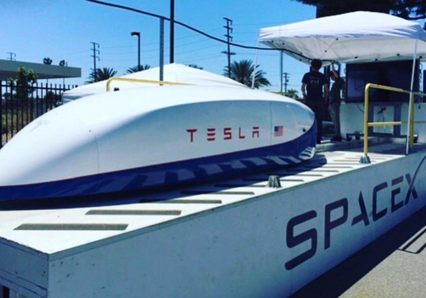 Илон Маск хочет разогнать Hyperloop вполовину отскорости звука