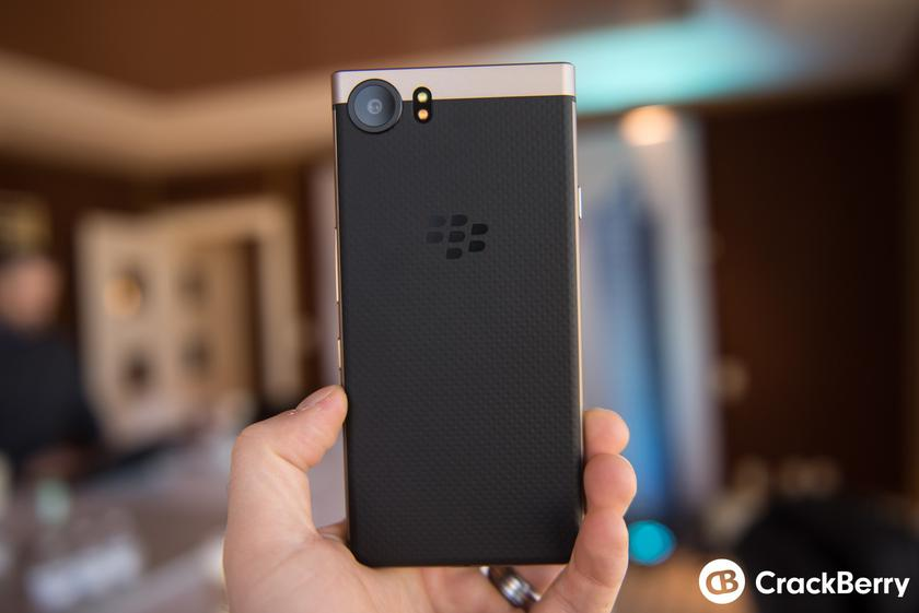 blackberry-keyone-bronze-edition-3.jpg