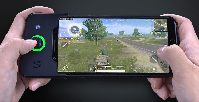 xiaomi-blackshark-released-gaming-phone-gamepad.jpg