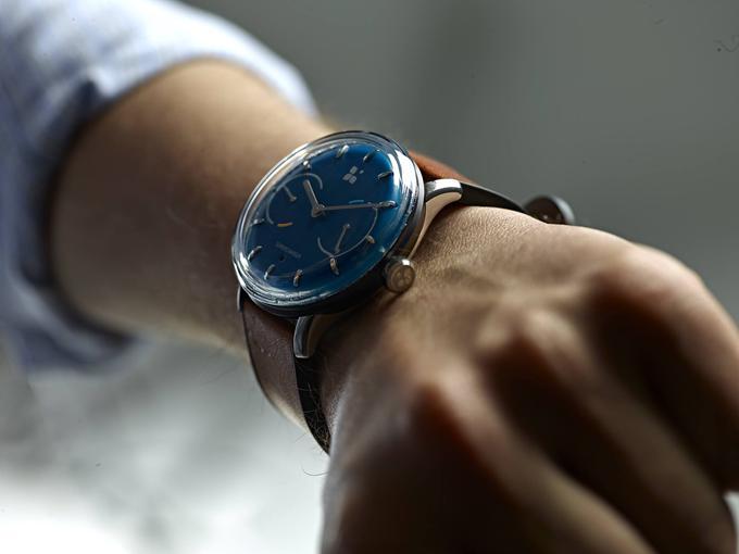 sequent-infinity-battery-life-smartwatch-2.jpg