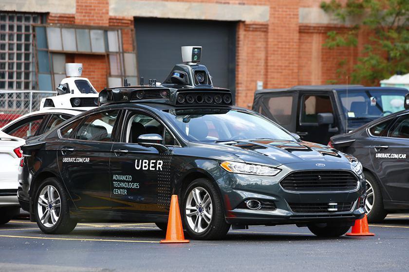 В Uber приостановили испытания беспилотных автомобилей из-за гибели пешехода
