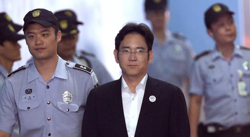 Осужденный бывший глава Samsung снова возглавил компанию