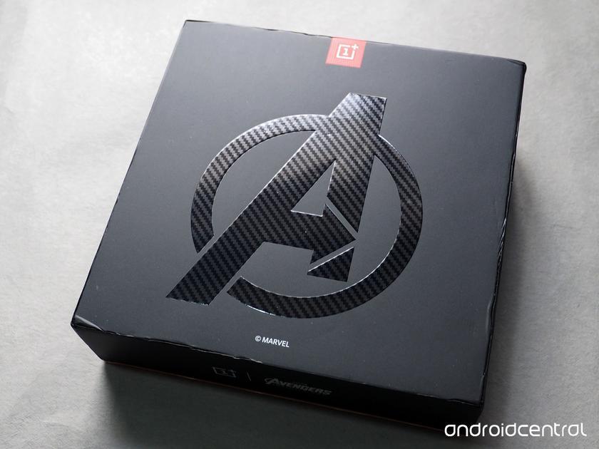 oneplus-6-avengers-unboxing-4.jpg