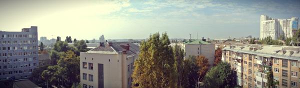 Люди за работой: рабочее место директора Obreey Products Дмитрия Шемета-6