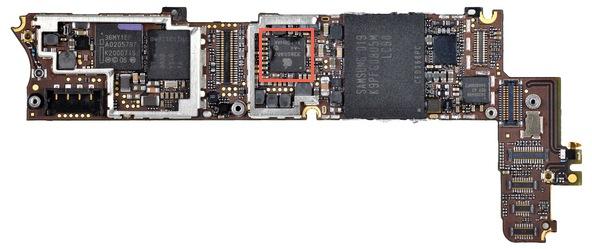 В iPhone 4 роль контроллера