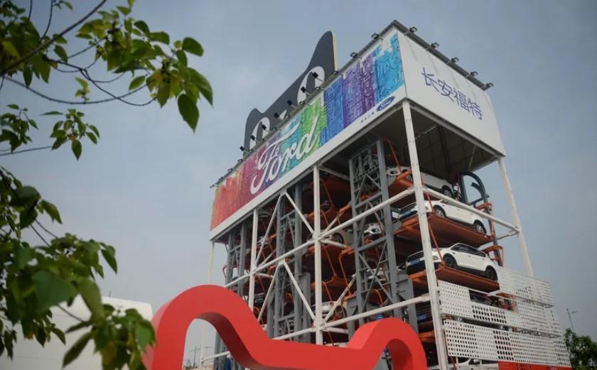 ВКитае установили «торговый автомат», раздающий авто натест-драйв