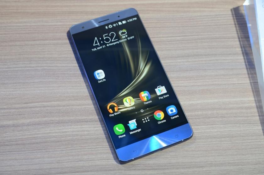 Asus ZenFone 3 Deluxe (ZS570KL) начал получать Android 8.0 Oreo