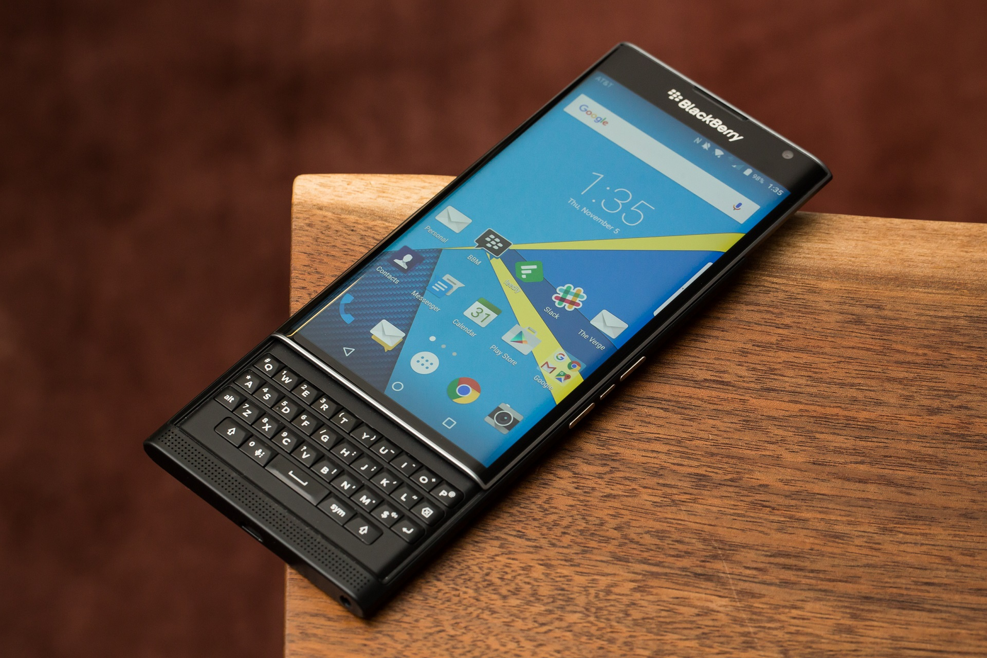 В Сети обнародовали характеристики нового смартфона BlackBerry