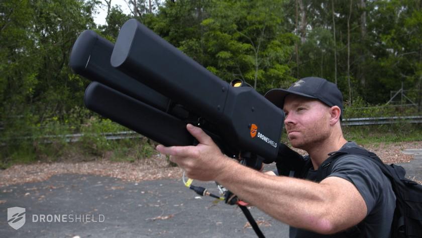 DroneShield Dronegun— безопасная электронная пушка для противодействия дронам