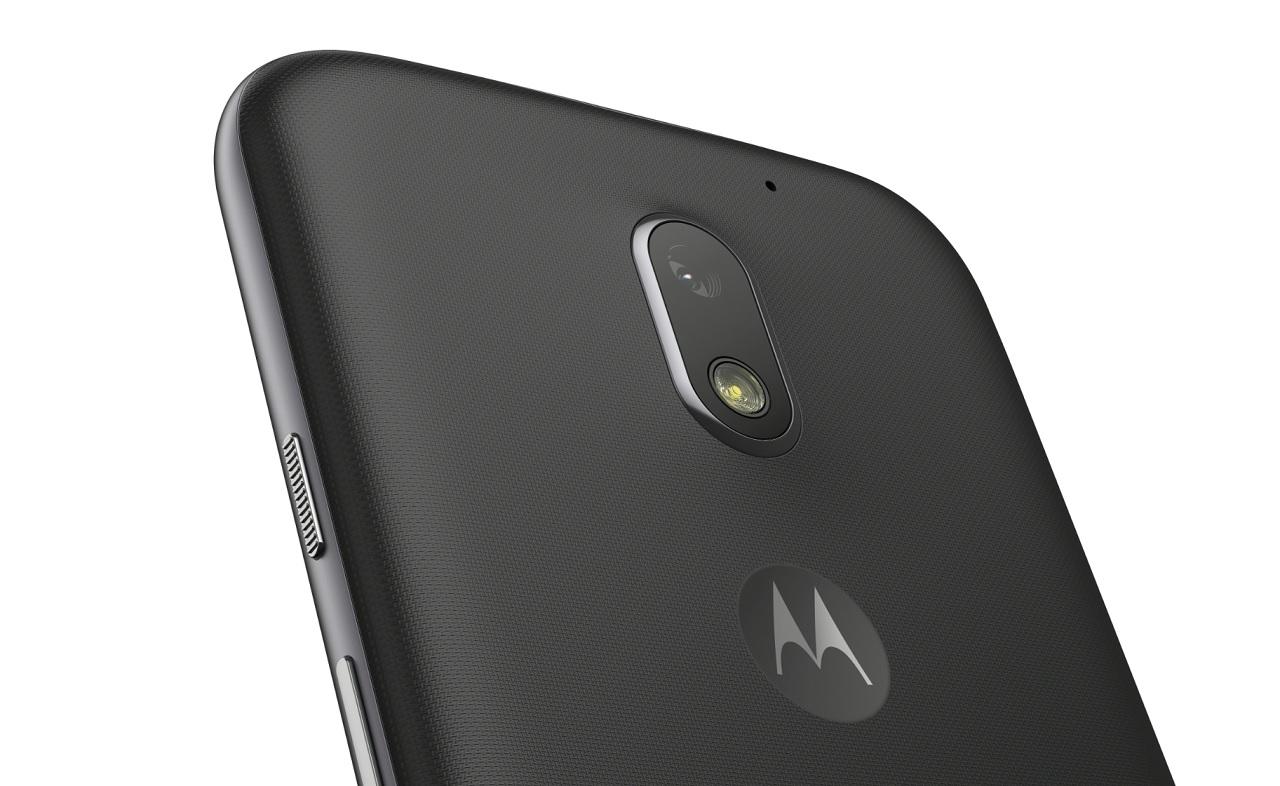 Винтернете подтвердился безрамочный дизайн телефона Moto G6