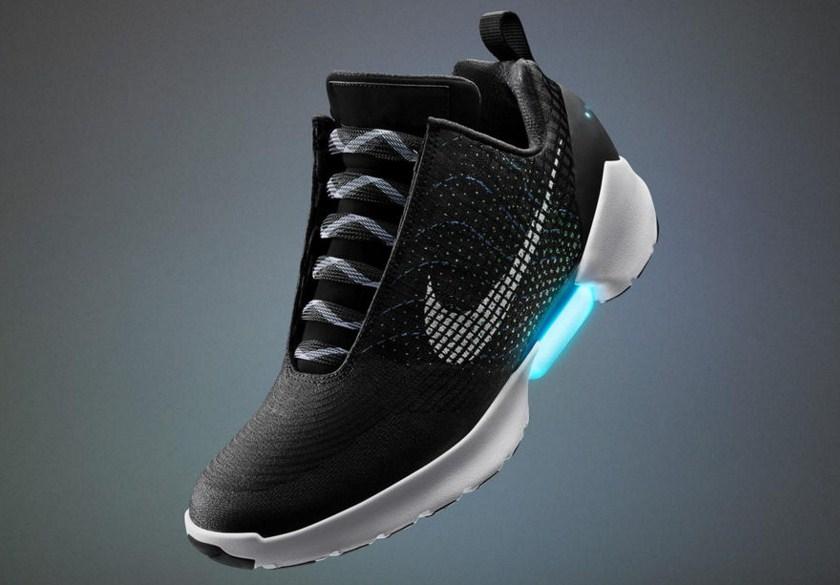 Будущее наступает: потребительские самозашнуровывающиеся кроссовки Nike HyperAdapt 1.0