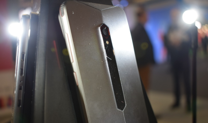 Размещен официальный рендер игрового телефона Nubia Red Devil