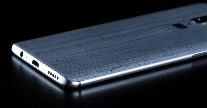 В сети появилась фотография коробки OnePlus 6 Avengers Edition
