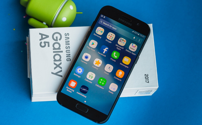 Вглобальной web-сети появились сведения о телефонах Самсунг Galaxy S10 иS10 Plus