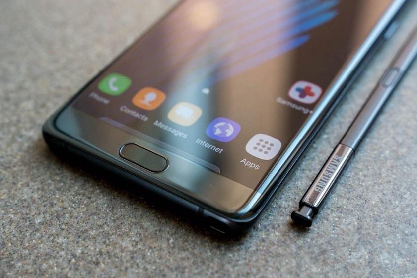 Вглобальной сети появились кадры телефона Самсунг Galaxy S8 Active