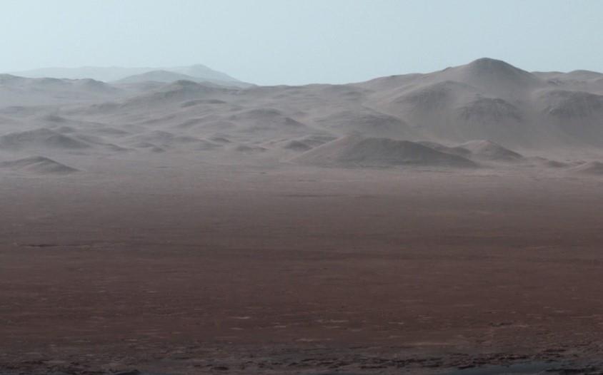 NASA показало снимки Марса во время посадки Curiosity в 2012 году