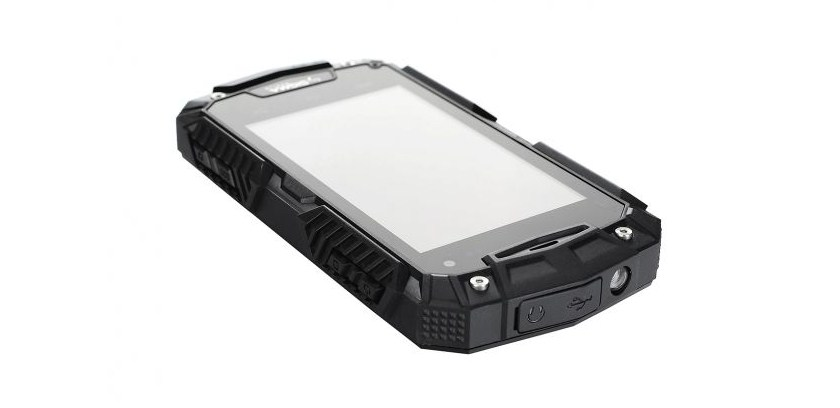 смартфон с фонариком