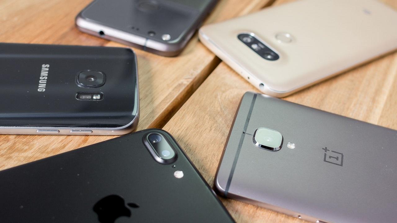 Специалисты: Самсунг Galaxy S8 возглавил ТОП наилучших телефонов 2017 года