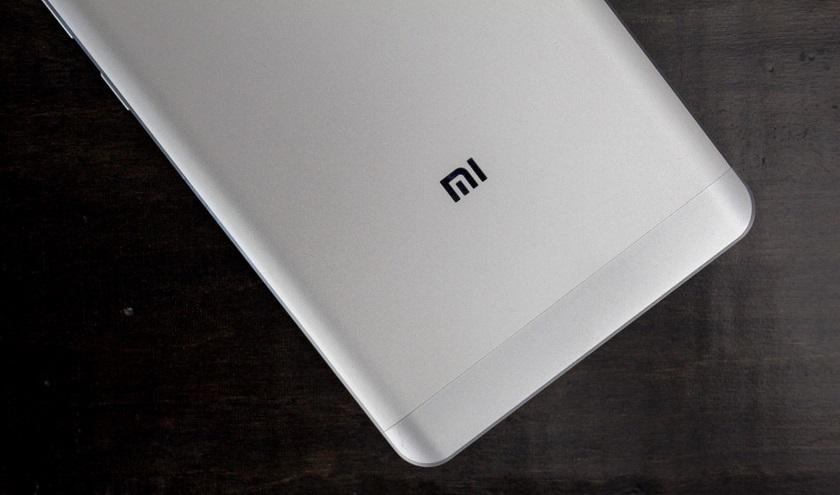 Xiaomi Mi Note 2 может выйти 14 сентября