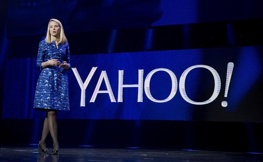 Компания Yahoo сменит имя ируководство