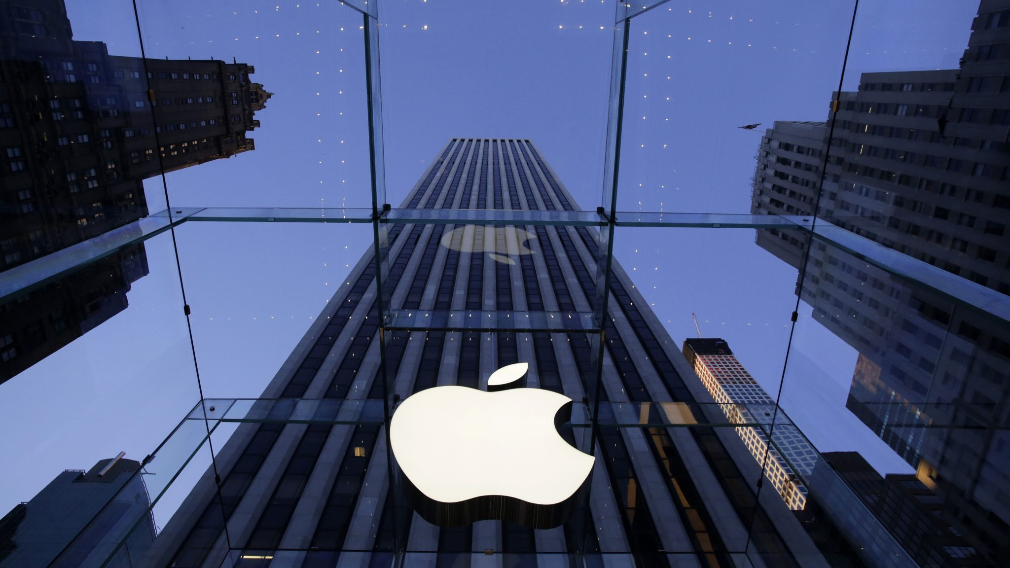 Apple вложит $390 млн впроизводителя микросхем Finisar