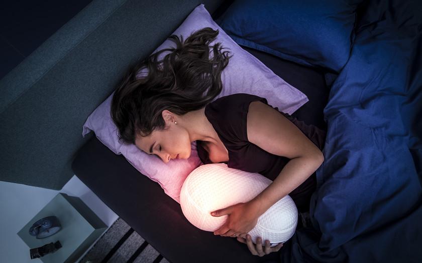 Робот-подушка Somnox поможет хорошо выспаться