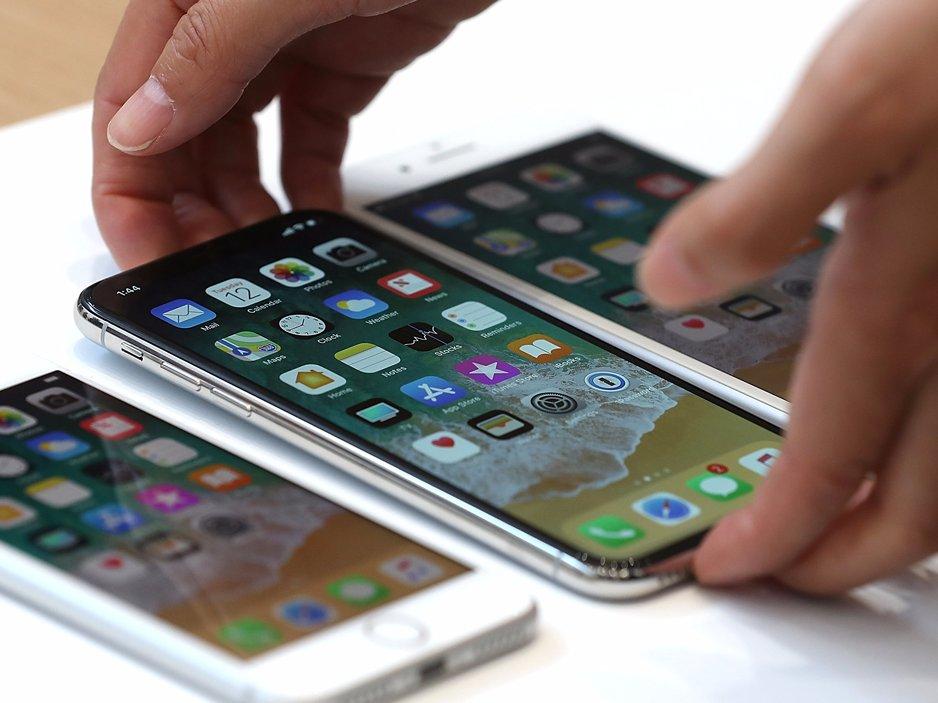 Компания Apple озвучила официальные цены нановый iPhone в РФ