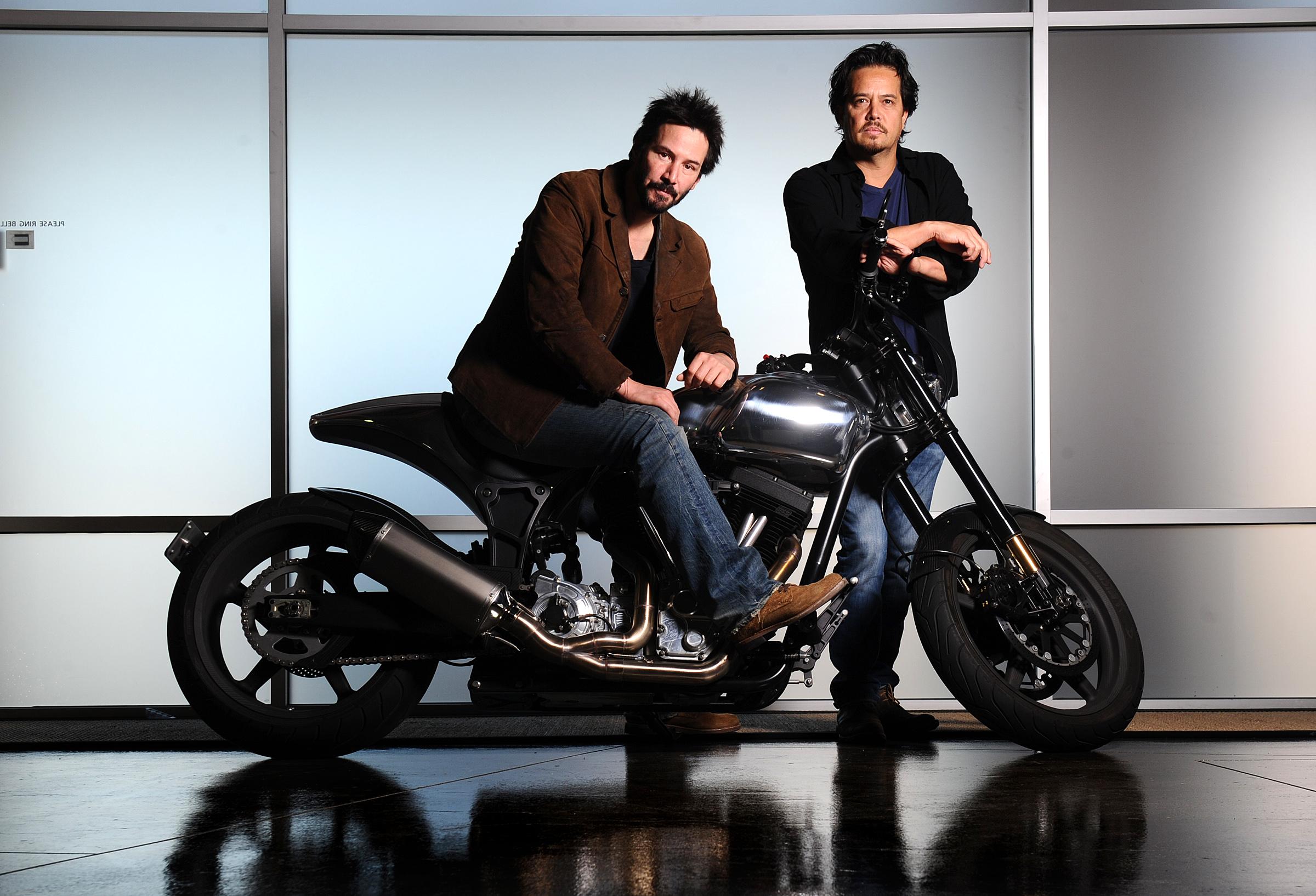 Стартап Киану Ривза собирает мотоциклы при помощи  виртуальной реальности