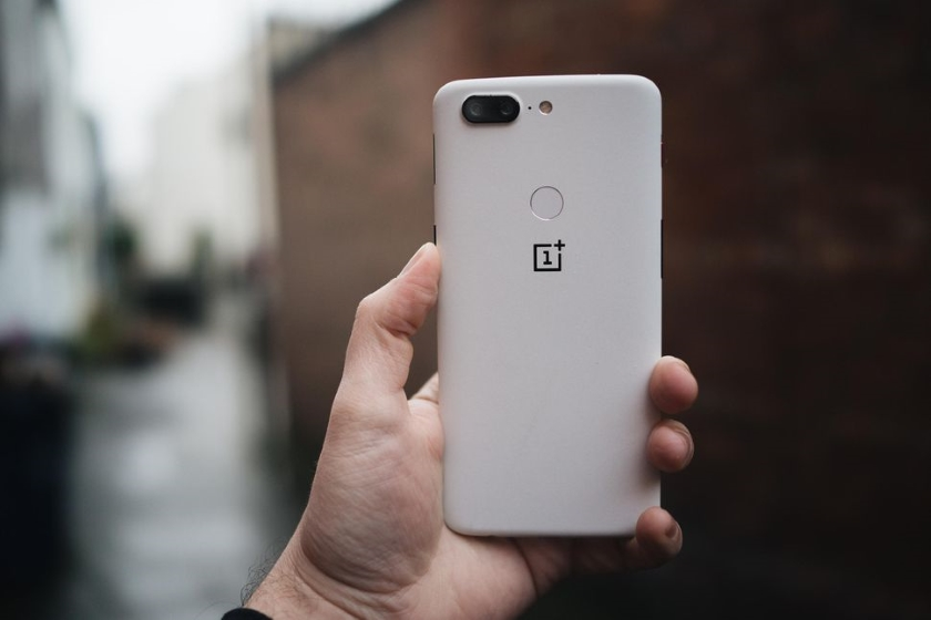 OnePlus announced a new limited coloring OnePlus 5T Sandstone White
