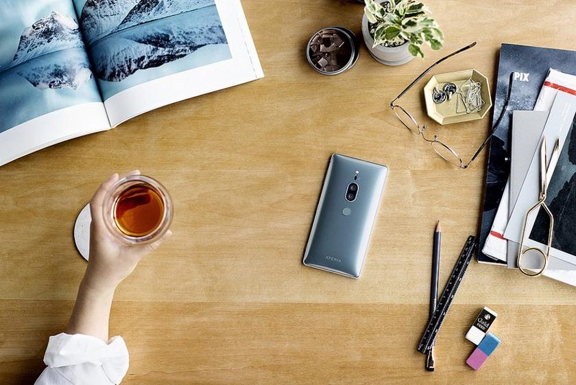 Тихий анонс Сони  Xperia XZ2 премиум : 4K HDR экран  идвойная камера