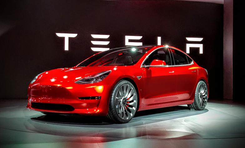 Объём продаж авто Tesla увеличился на4,5%