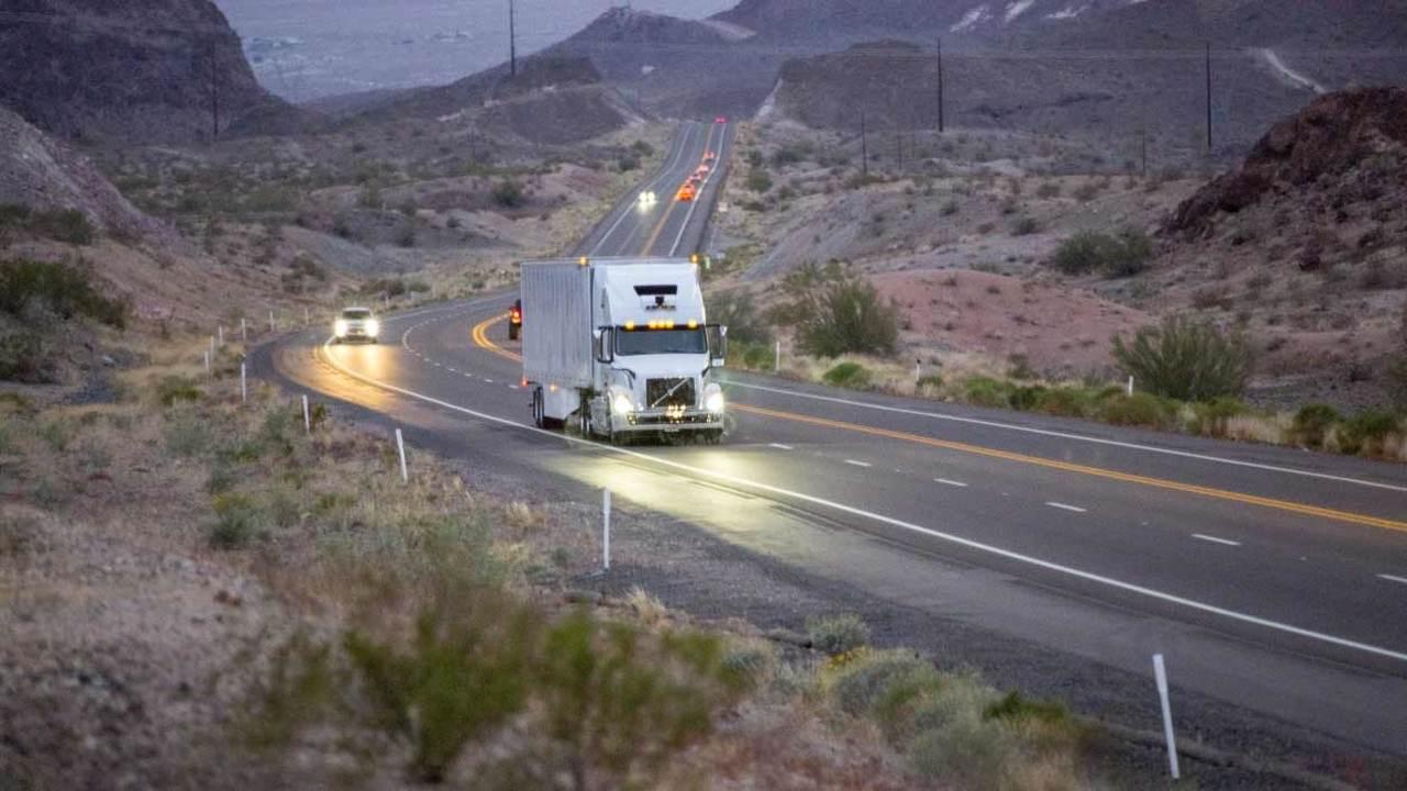 Беспилотные грузовые автомобили отUber начали доставлять грузы вСША