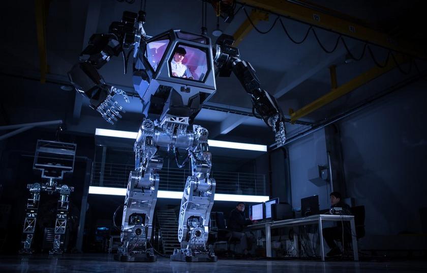ВЮжной Корее испытали 1,5-тонного индустриального робота управляемого человеком