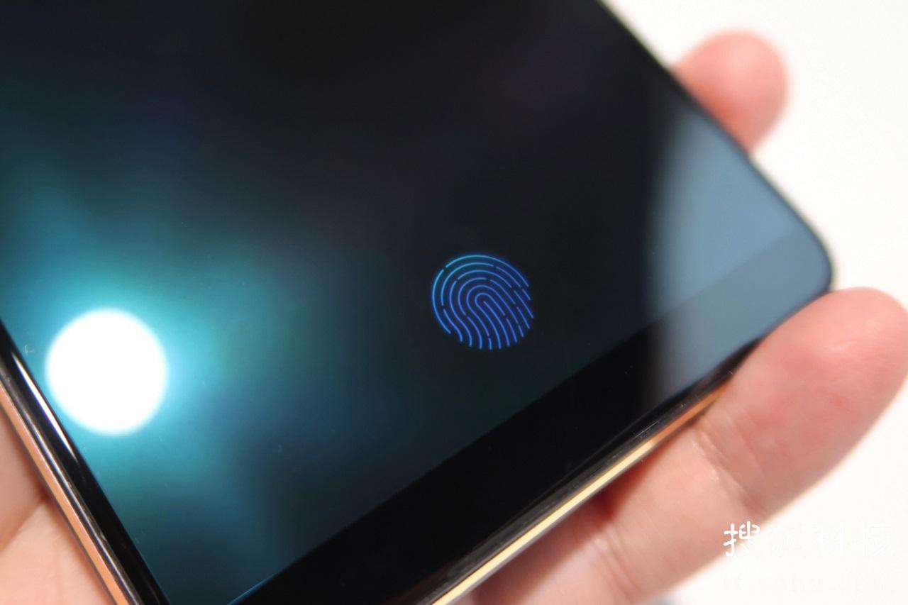 Vivo представит по-настоящему инновационный смартфон