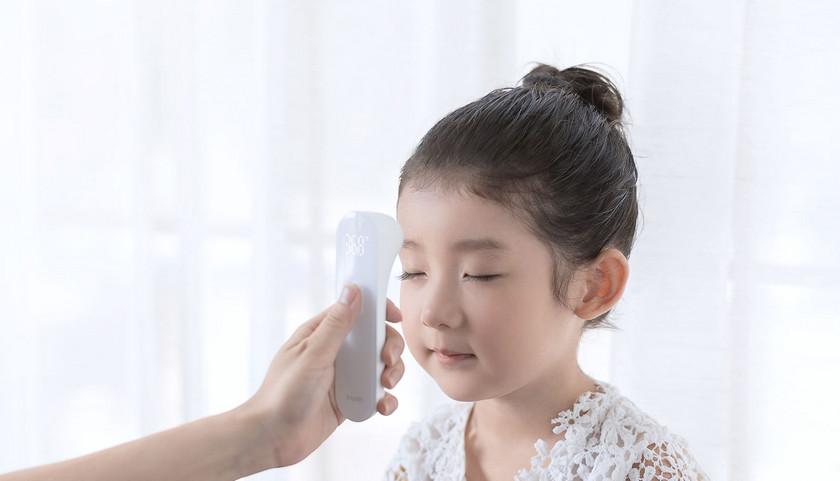Xiaomi и iHealth выпустили бесконтактный термометр за $20