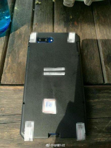 Huawei-Honor-10-3.jpg
