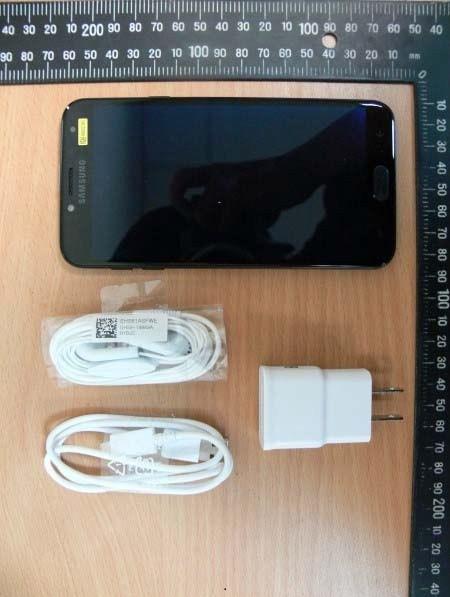 Samsung-Galaxy-J4-3.jpg