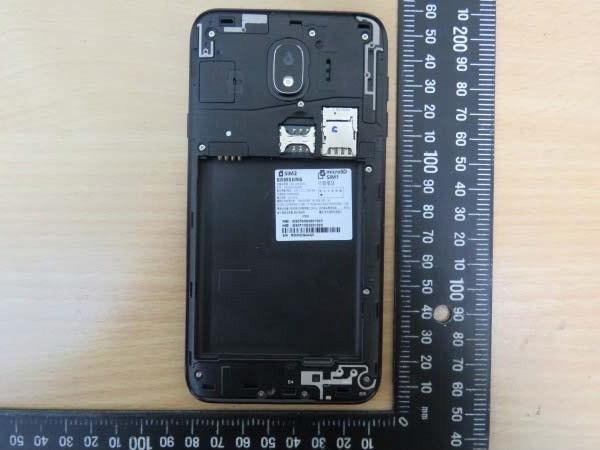 Samsung-Galaxy-J4-4.jpg