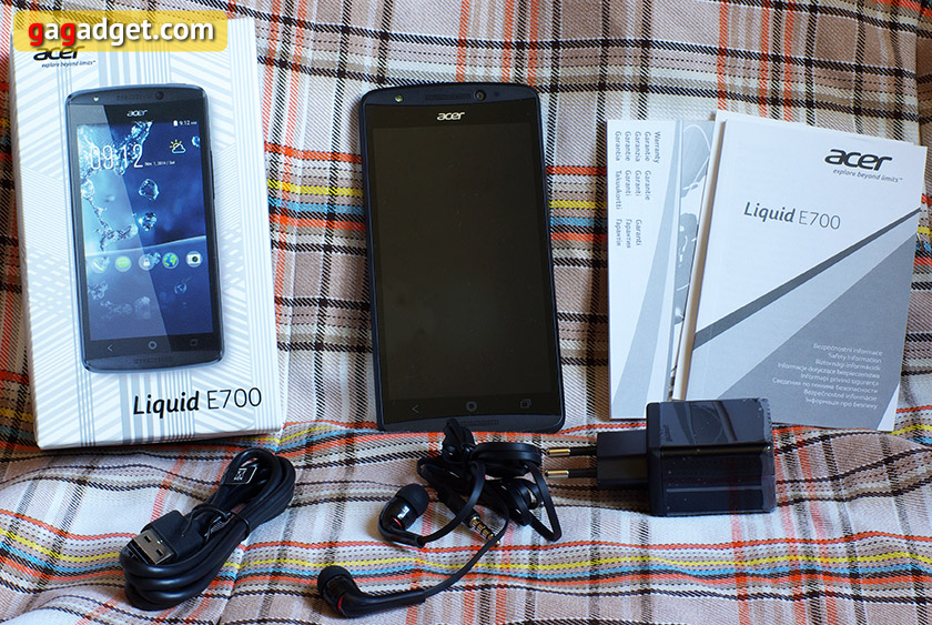 Обзор смартфона Acer Liquid E700: Android с тремя SIM-картами