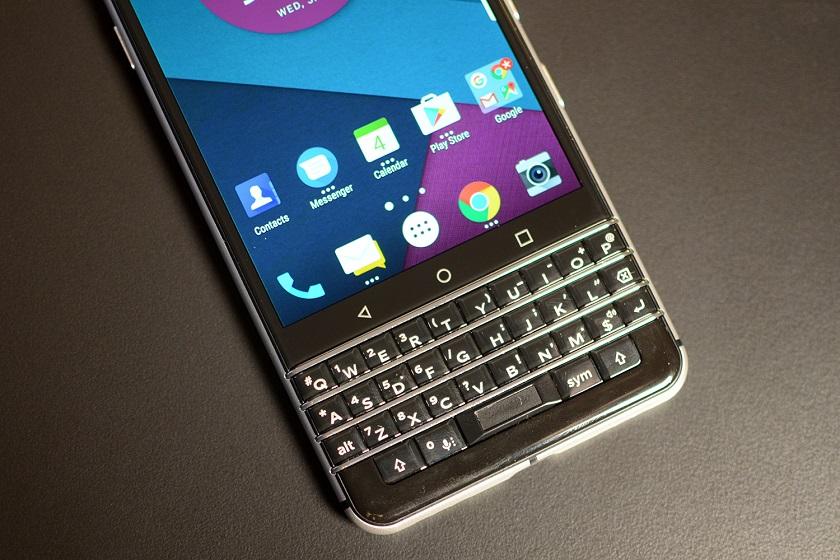 В Сети появился видеотизер смартфона BlackBerry с QWERTY-клавиатурой