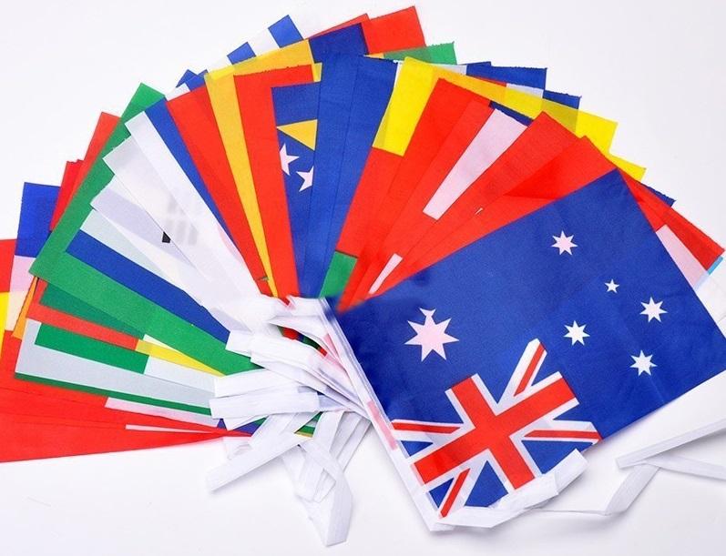 Флаги разных стран и футбольных клубов
