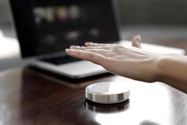 Необычная замена мышки: универсальный Bluetooth-манипулятор Flow с жестовым управлением