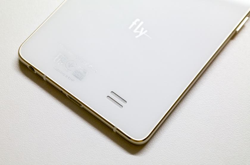 Кто на свете всех милее? Обзор сверхтонкого смартфона Fly Tornado Slim (IQ4516 Octa)-9