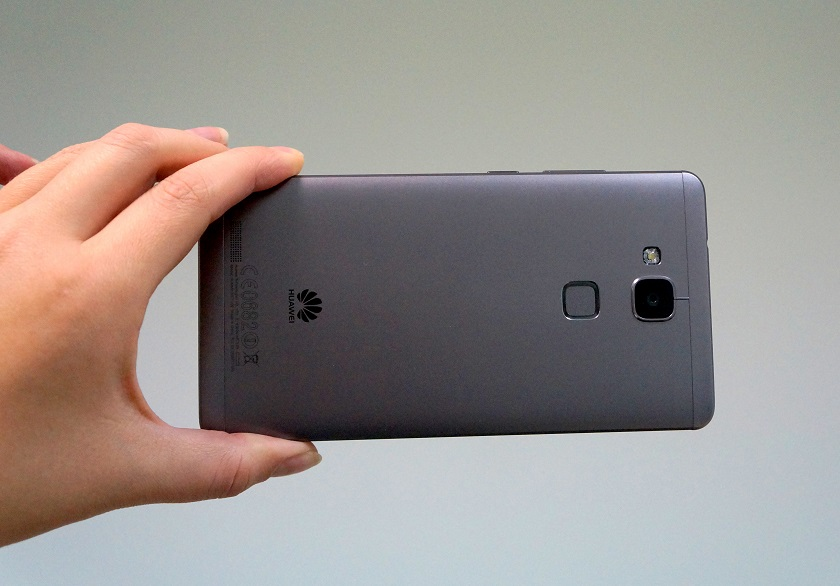 Обзор смартфона Huawei Mate7-3