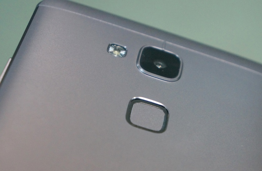 Обзор смартфона Huawei Mate7-6